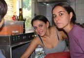 In cucina si prepara per il pranzo